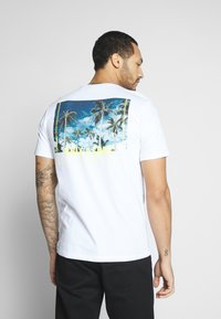 Only & Sons - ONSROVER TEE - Print T-shirt - bright white - 2