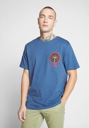 ONSROVER TEE - Print T-shirt - dark blue