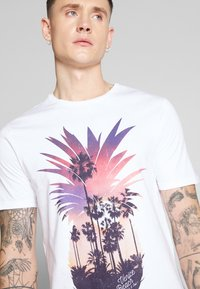 Only & Sons - ONSCANE TEE - T-shirt print - white - 5