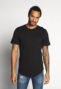 Only & Sons - ONSMATT LONGY SOLID STRIPE 2 PACK - T-shirts med print - black/white - 2