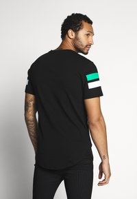 Only & Sons - ONSSTRIPEY LONGY TEE - T-Shirt print - black - 2