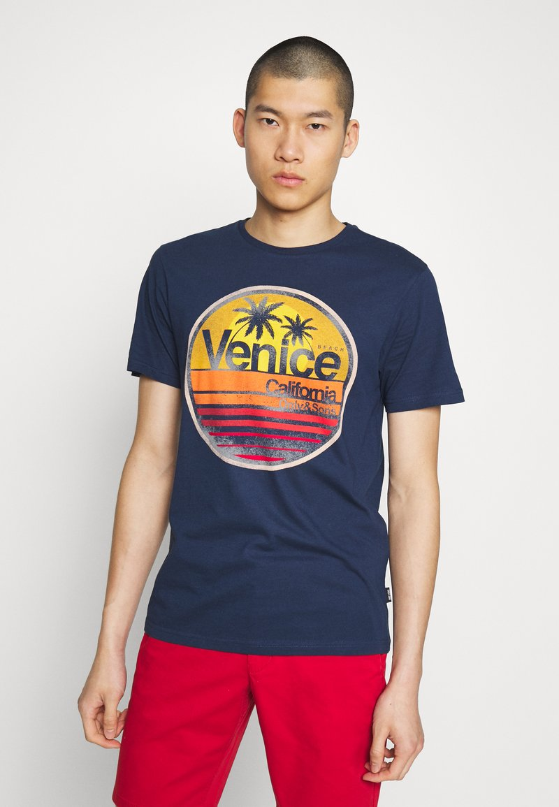 Only & Sons - ONSCALI SLIM TEE - Print T-shirt - dress blues