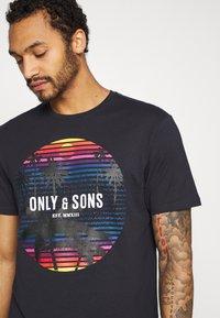 Only & Sons - ONSKUBA REGULAR TEE - T-shirt print - dark navy - 4