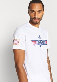 Only & Sons - ONSTOPGUN TEE - Print T-shirt - bright white - 3
