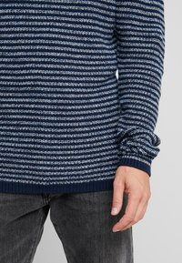 Only & Sons - ONSSATO  - Jersey de punto - dress blues - 5