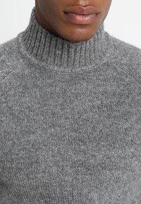 Only & Sons - ONS PATRICK HIGH NECK - Jersey de punto - medium grey melange - 4