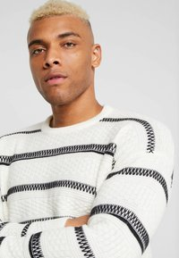 Only & Sons - ONSPERRY STRIPE  - Maglione - cloud dancer - 4