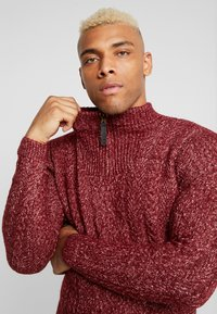 Only & Sons - HIGH NECK ZIPPER - Neule - cabernet - 5