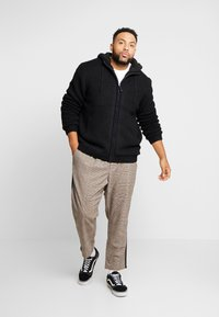 Only & Sons - ONSKENNETH FULL ZIP - Cardigan - black - 1