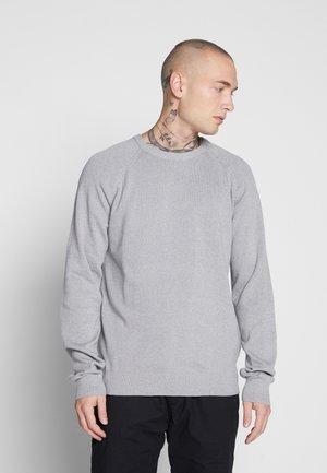 ONSDUKE CREW NECK - Jersey de punto - medium grey melange