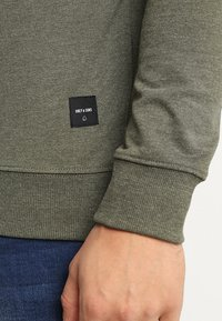 Only & Sons - Sweatshirt - olive night - 5