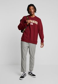 Only & Sons - ONSTIGER OVERSIZED CREW SWEAT - Sweatshirts - cabernet - 1
