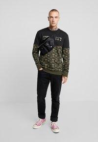 Only & Sons - ONSINFINITY CREW NECK - Sweatshirts - black - 1