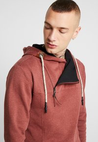 Only & Sons - ONSMKLAUS - Jersey con capucha - madder brown - 4