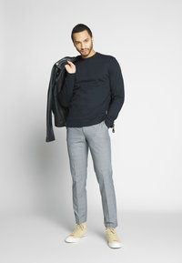 Only & Sons - ONSORGANIC CREW NECK - Sudadera - black - 1