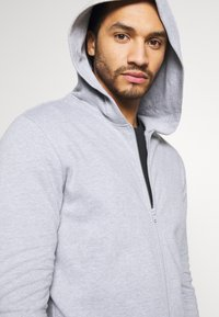 Only & Sons - ONSORGANIC REG  ZIP HOODIE  - Zip-up hoodie - medium grey melange - 3