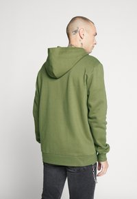Only & Sons - ONSORGANIC REG  ZIP HOODIE  - Bluza rozpinana - olive night - 2