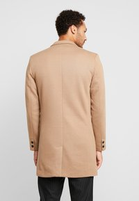 Only & Sons - ONSJULIAN KING COAT - Kort kappa / rock - camel - 2