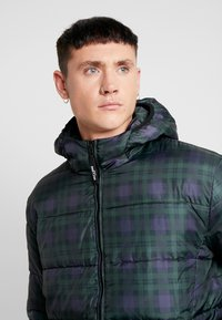 Only & Sons - ONSRICK CHECK HOODIE PUFFER  - Winterjas - forest night - 3