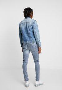 Only & Sons - ONSCOIN TRUCKER  - Denim jacket - blue denim - 2