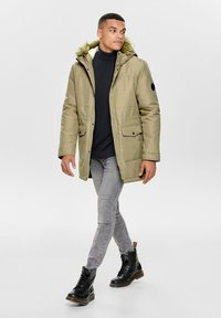 Only & Sons - ONSBASIL JACKET NOOS - Cappotto invernale - olive - 1
