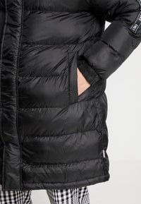 Only & Sons - ONSLIAM OVERSIZE PUFFER  - Winter coat - black - 5