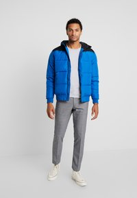 Only & Sons - ONSBOSTON QUILTED BLOCK HOOD - Light jacket - baleine blue - 1
