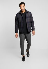 Only & Sons - ONSDEAN CHECK - Chaqueta de entretiempo - dark navy - 1