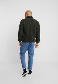 Only & Sons - ONSDOMINIC SHERPA HIGHNECK  - Veste polaire - forest night - 2