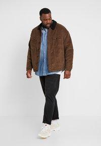 Only & Sons - ONSRICK OVERSIZE  - Light jacket - brown - 1