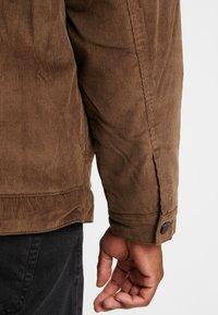 Only & Sons - ONSRICK OVERSIZE  - Light jacket - brown - 5