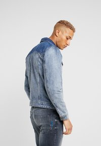 Only & Sons - ONSCOIN TRUCKER  - Jeansjacke - blue denim - 2
