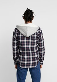 Only & Sons - ONSGLEN CHECKED HOODIE OVERSHIRT - Korte jassen - madder brown - 2