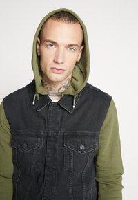 Only & Sons - ONSCOIN HOOD TRUCKER - Denim jacket - black denim - 5