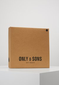 Only & Sons - ONSERIK BOX SCARF BEANIE  - Bufanda - forest night - 2