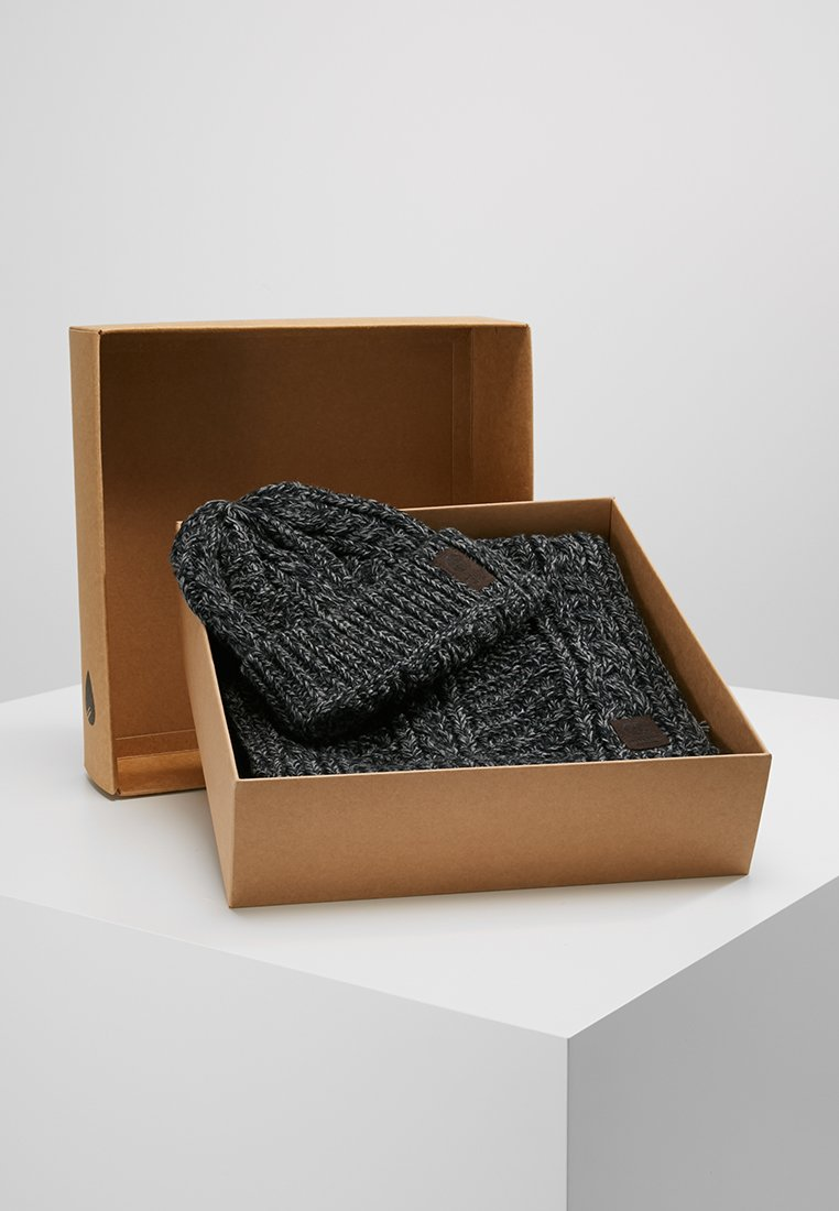Only & Sons - ONSERIK BOX SCARF BEANIE  - Scarf - black