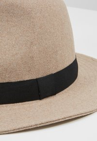 Only & Sons - ONSCARLO FEDORA HAT - Hat - chinchilla