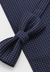 Only & Sons - ONSTBOX THEO TIE SET - Kapesník do obleku - dress blues/white - 4