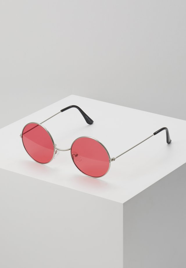 ONSSUNGLASSES ROUND - Aurinkolasit - new red/silver-coloured