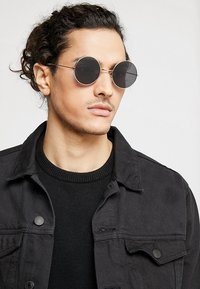 Only & Sons - ONSSUNGLASSES ROUND - Solbriller - black - 1