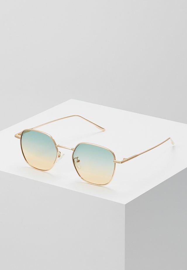 ONSSUNGLASS FANCY - Zonnebril - shiny gold-coloured