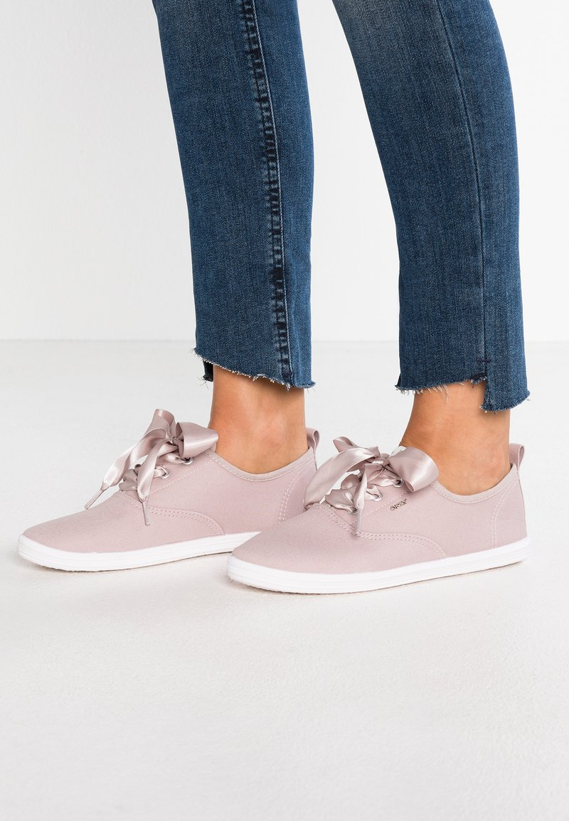 ONLY SHOES - ONLSELINE - Sneakers laag - lilac