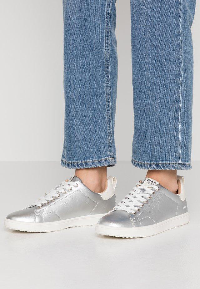 ONLSHILO  - Sneaker low - silver