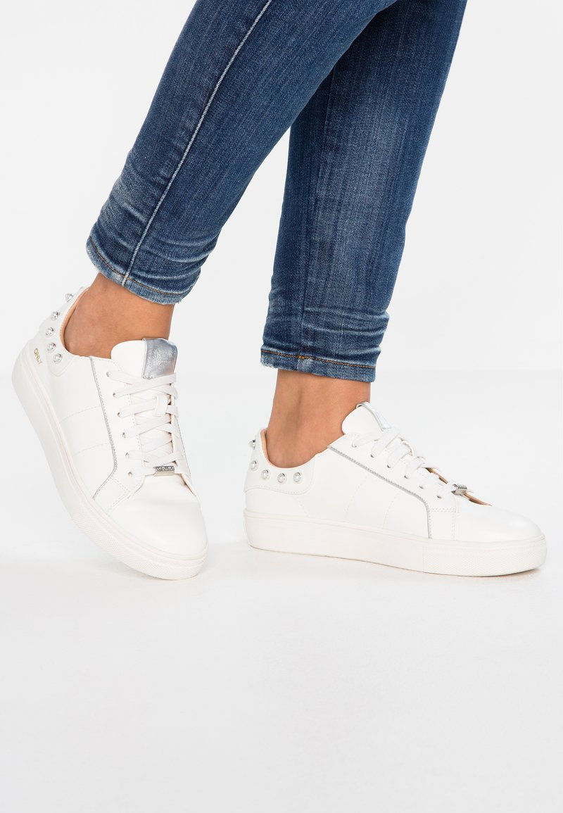 ONLY SHOES - ONLSAGE  - Sneakers basse - white