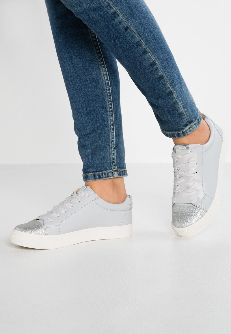 ONLY SHOES - ONLSKYE GLITTER TOE CAP  - Sneakers basse - grey
