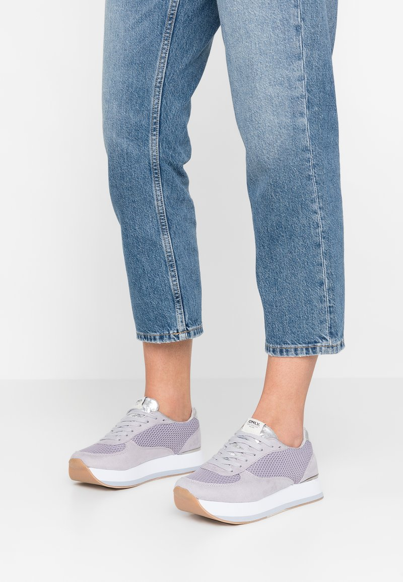 ONLY SHOES - ONLSMILLA ELEVATED - Sneakers basse - light blue
