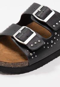 ONLY SHOES - ONLMATHILDA STUD SLIP ON - Sandaler - black - 5