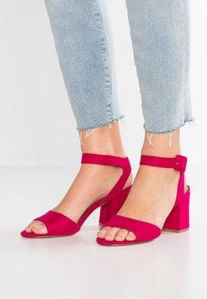 ONLAMANDA HEELED  - Sandaalit nilkkaremmillä - pink glo