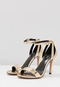 ONLY SHOES - Sandales à talons hauts - gold - 4