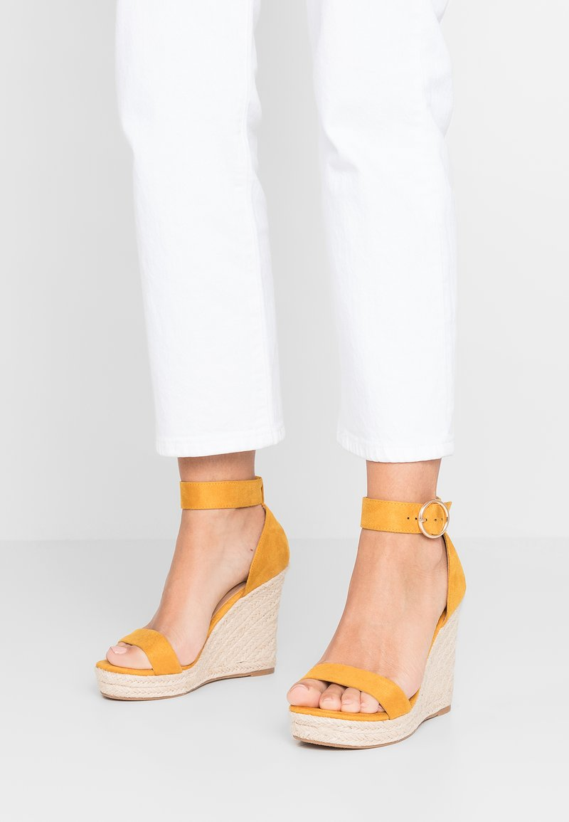 ONLY SHOES - Sandali con tacco - sunshine